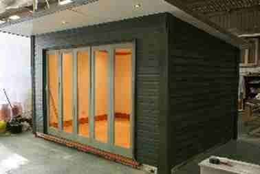 Garden Office With Sliding Doors Case Study 02